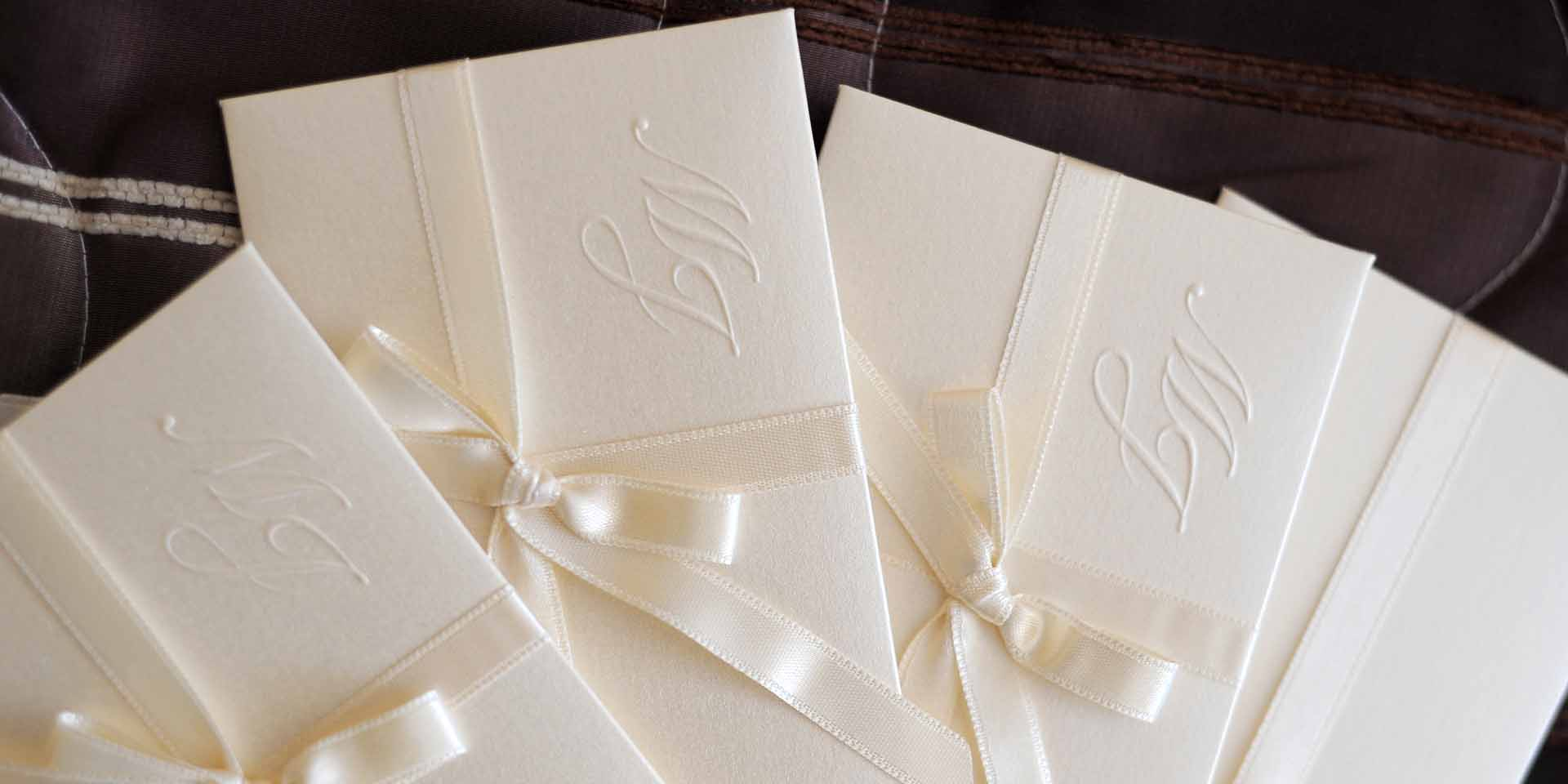 choosing wedding stationery